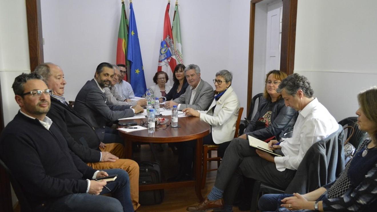 COMBATER  FRAGILIDADES MAIORES DO ALGARVE: 80% DA ECONOMIA ASSENTE NO TURISMO, SAZONALIDADE E 50% NUM ÚNICO MERCADO